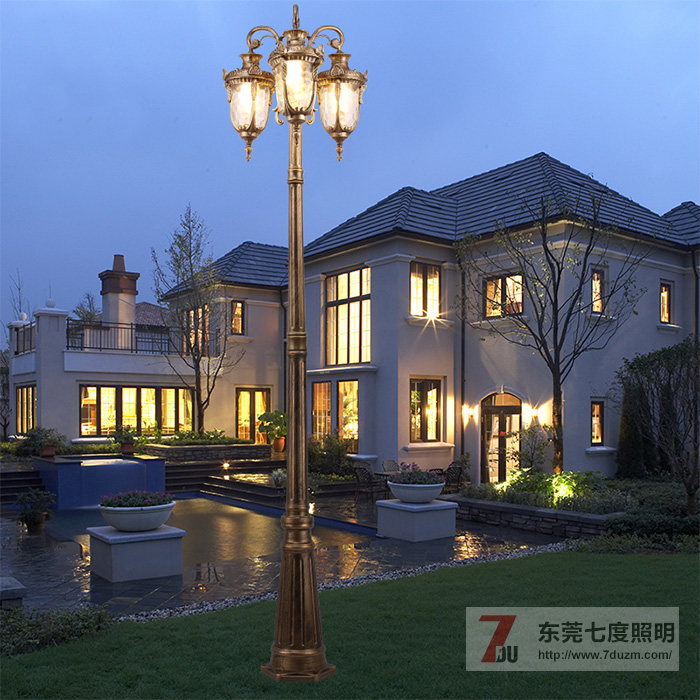 高档独栋别墅庭院内的庭院灯选择技巧